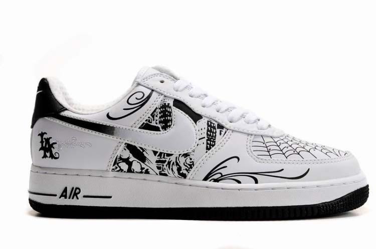 online store 09569 05721 Nike Air Force 1 x Mr Cartoon